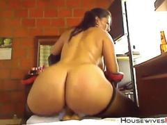 Видео-чат со взрослой дамой с большой задницей